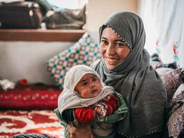 Taban, a mother from Afghanistan and her daughter Chehrah